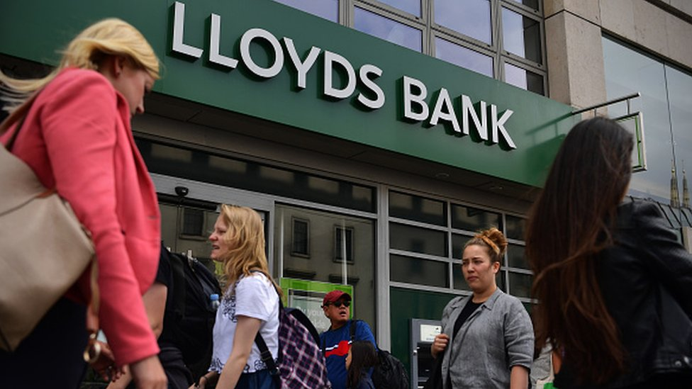 Lloyds Banking Group sets aside an extra £350m for PPI