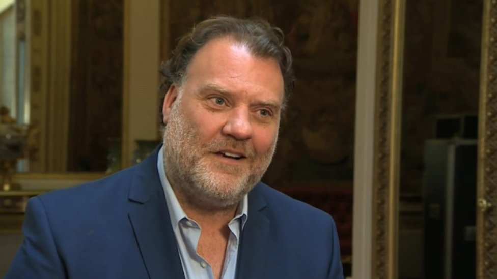 BBC News - Bryn Terfel praises Welsh National Opera on 70th anniversary