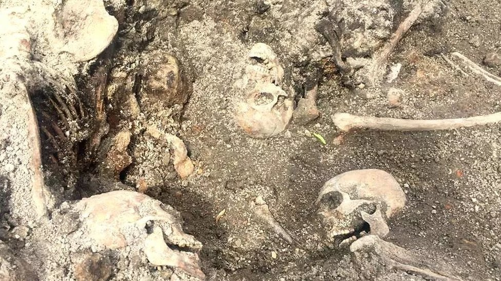Трагедія Луцька: через 76 років знайшли останки понад 100 жертв НКВС