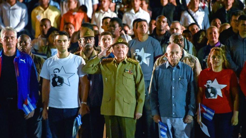 Raúl Castro, presidente de Cuba, en un mitin.