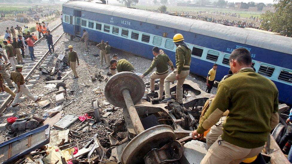 India train crash: 115 killed in derailment near Kanpur