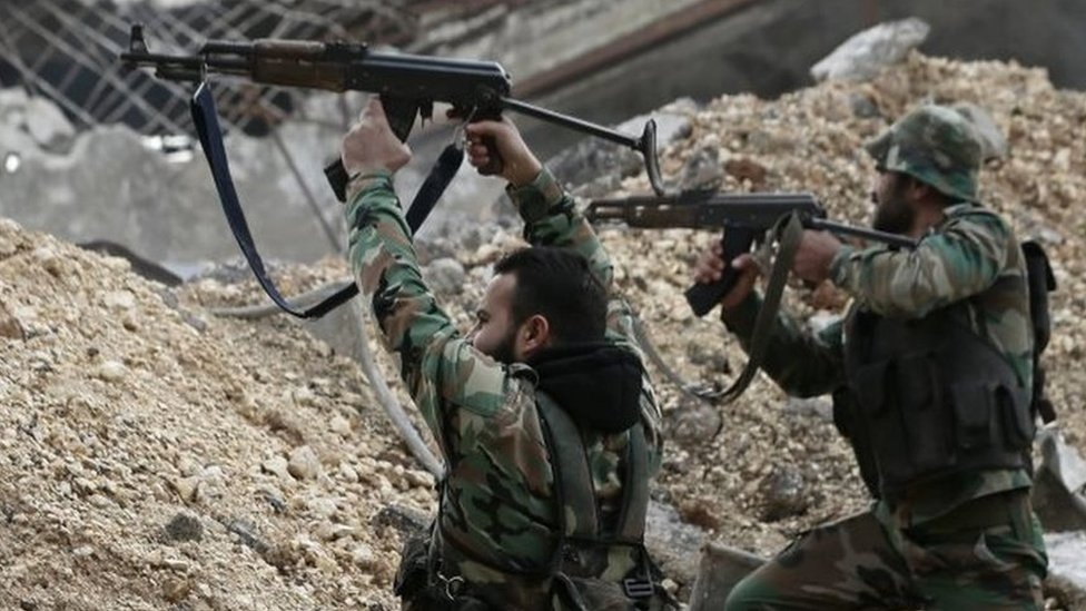 Aleppo battle: Syrian army presses advance against rebels