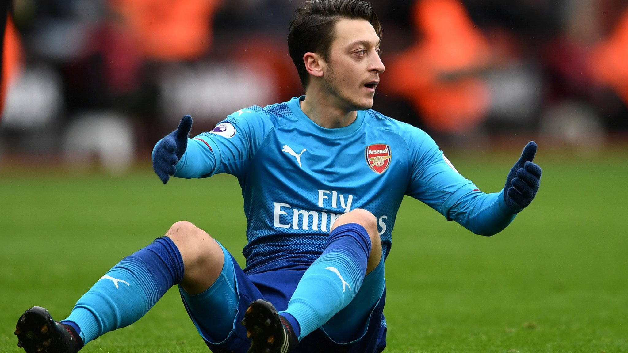 Thursday's gossip column - Ozil favours Man Utd move