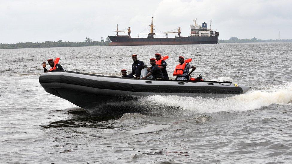 Douze personnes enlevées au large du Nigeria