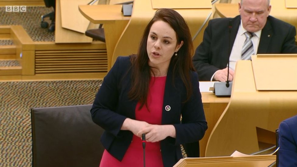 MSPs approve Scottish government income tax plans