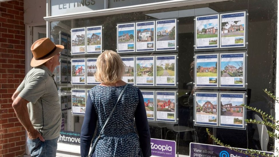Properties 'taking longer to sell'