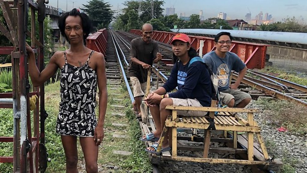 Manila's 'trolley boys'