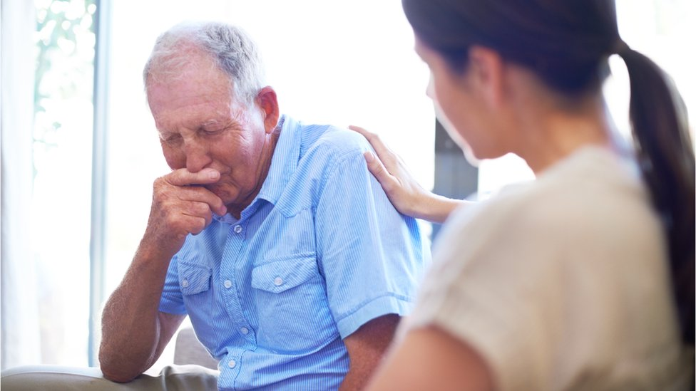 Doctors 'need to start early conversation with patients about dying'