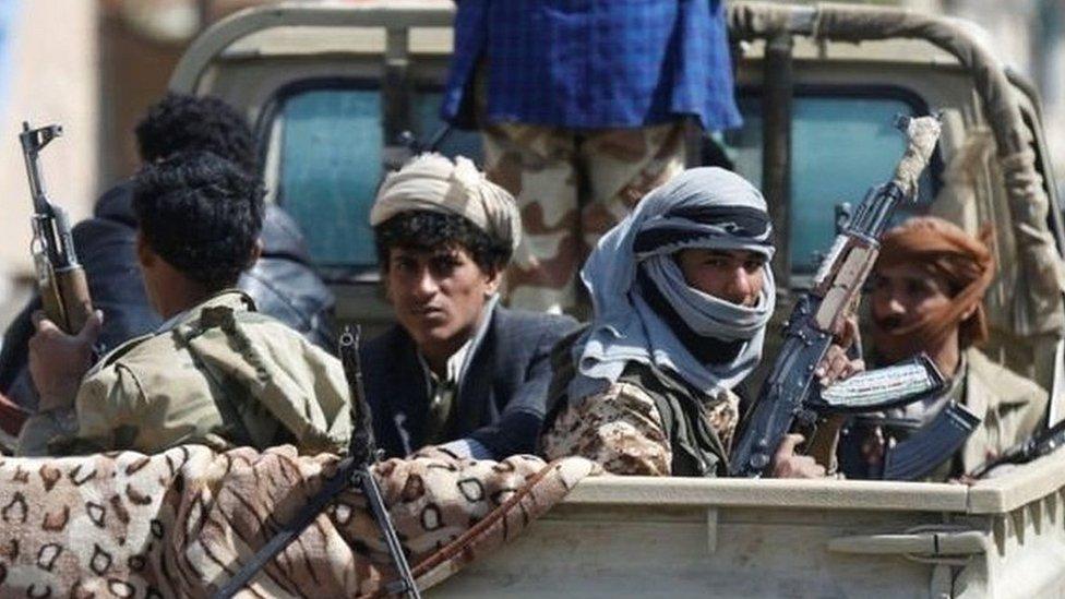 यमन में विद्रोहियों को मिसाइल दे रहा है ईरान: अमरीका