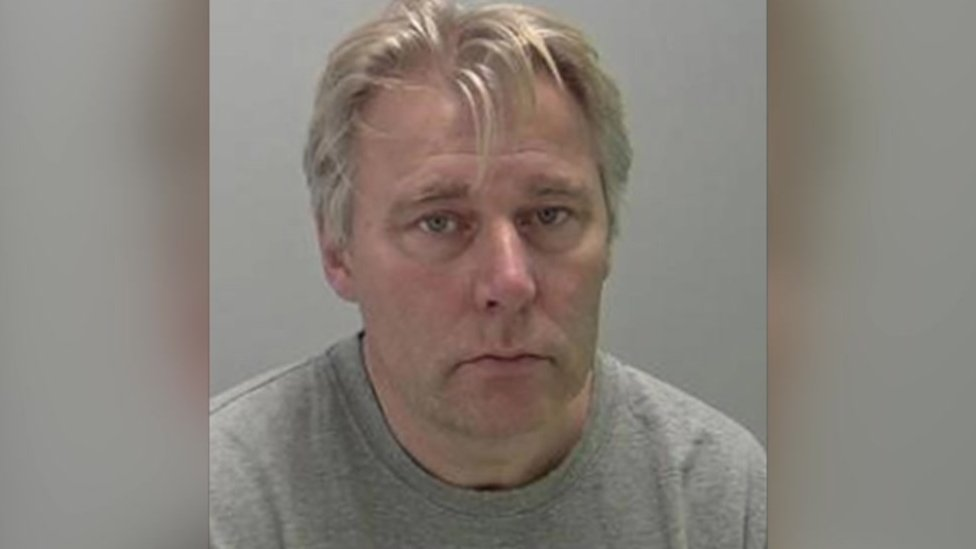 Pilot Andrew Mcintosh Jailed For Killing Wife Andrew Mcintosh Launched A Frenzied Attack On His Wife After A Row Over The Price Of Their Property Een