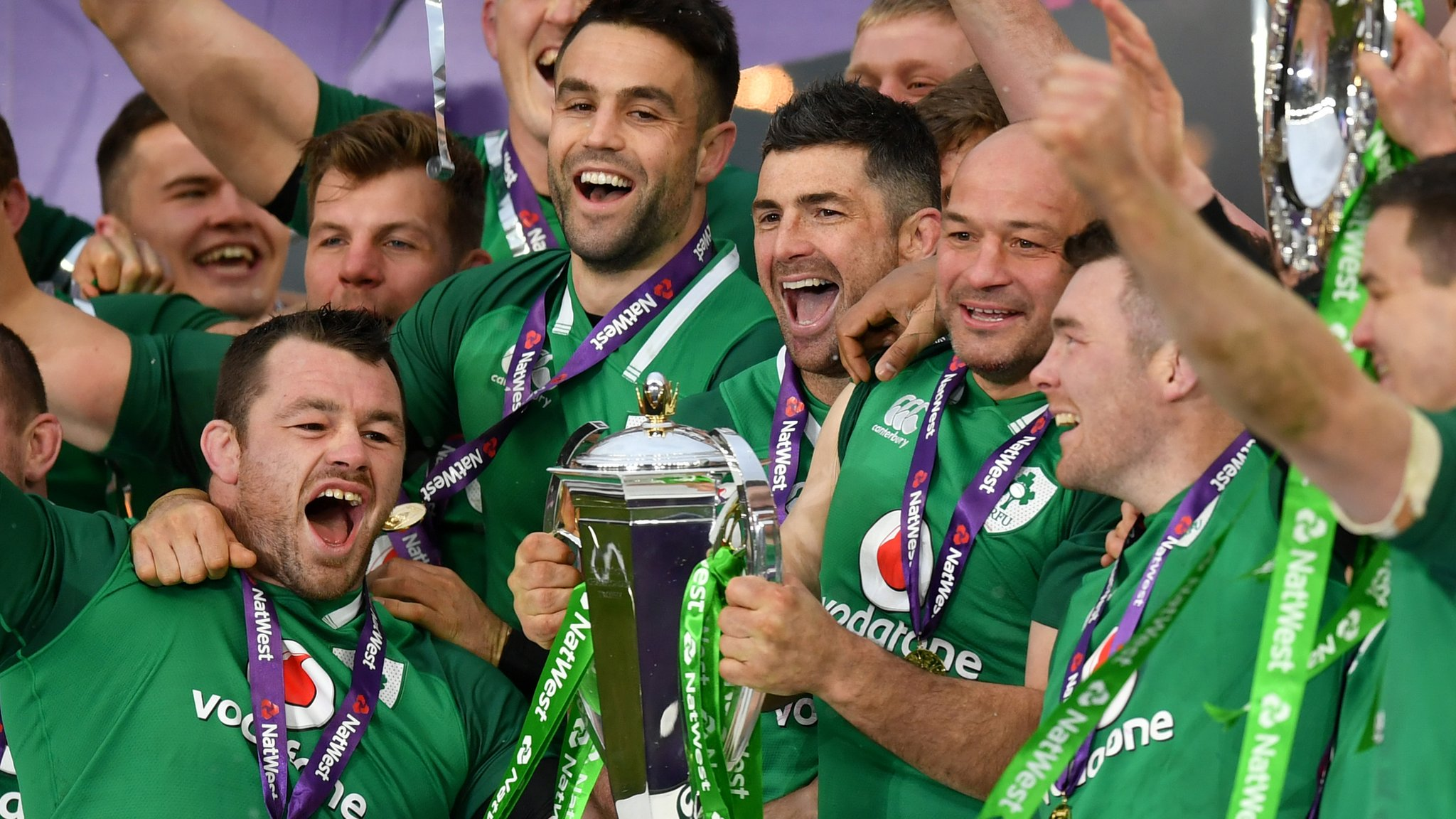 Ireland beat England to win Grand Slam