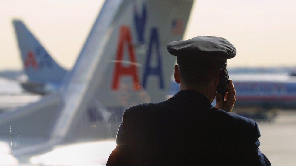 La aerolínea busca remediar el error ofreciendo un 150% el valor de la tarifa de los pilotos.