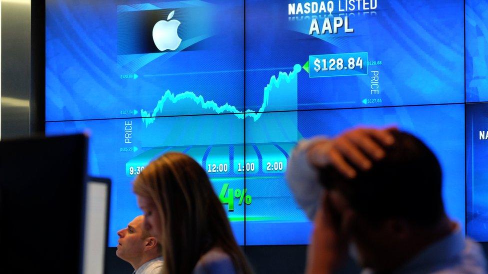 El valor en bolsa de Apple supera los US$800.000.