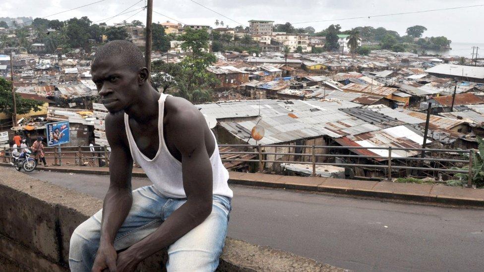 Hay alrededor de 60 asentamientos informales en Freetown.