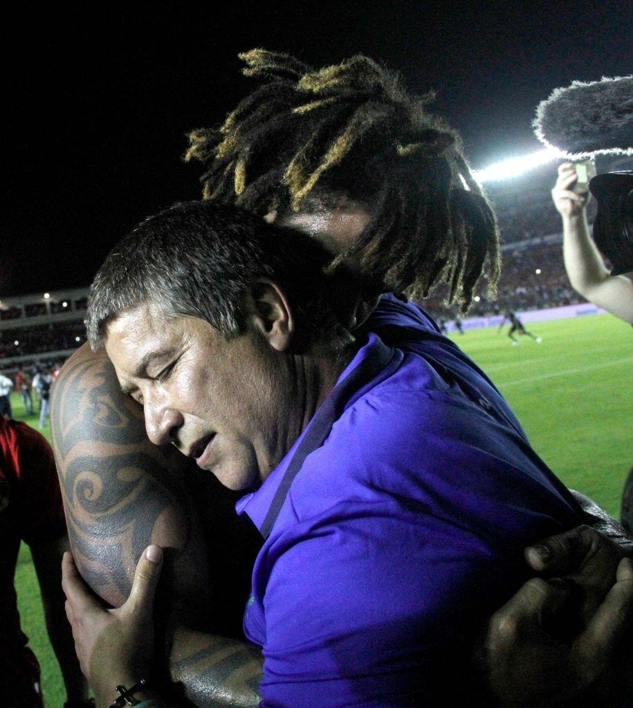 Torres junto al técnico colombiano Hernán Darío Gómez.