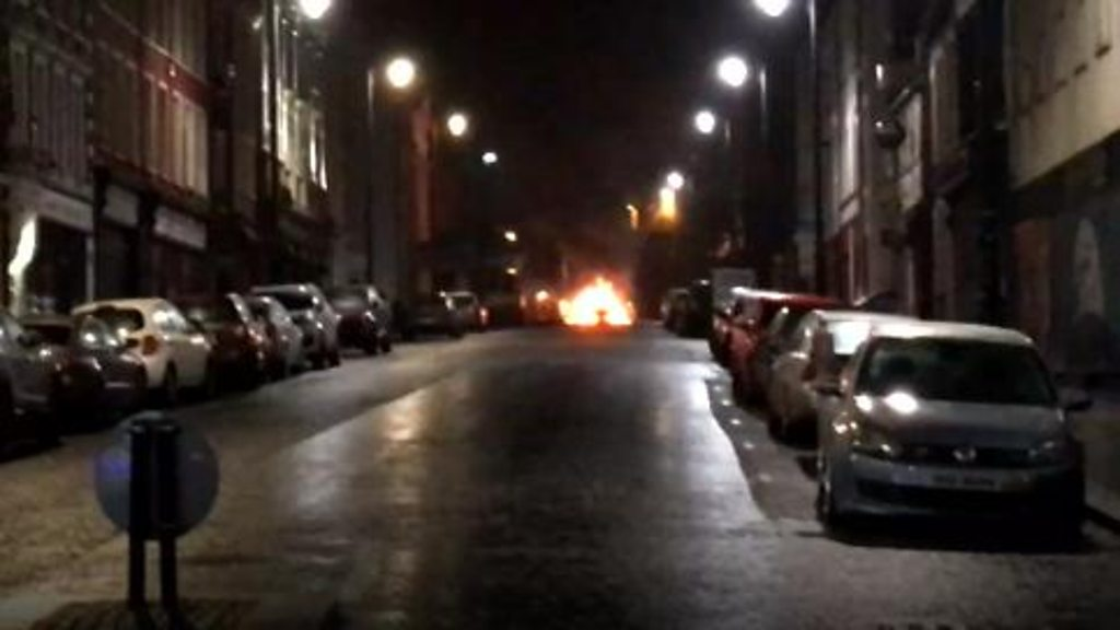 Londonderry: Bomb explodes in car outside courthouse