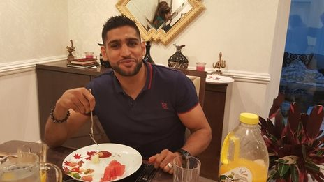 Amir Khan breaks his Ramadan fast