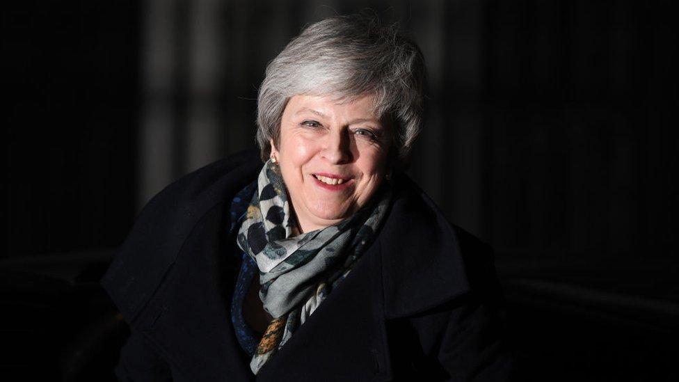 Brexit: Theresa May sobrevive al voto de confianza de su partido