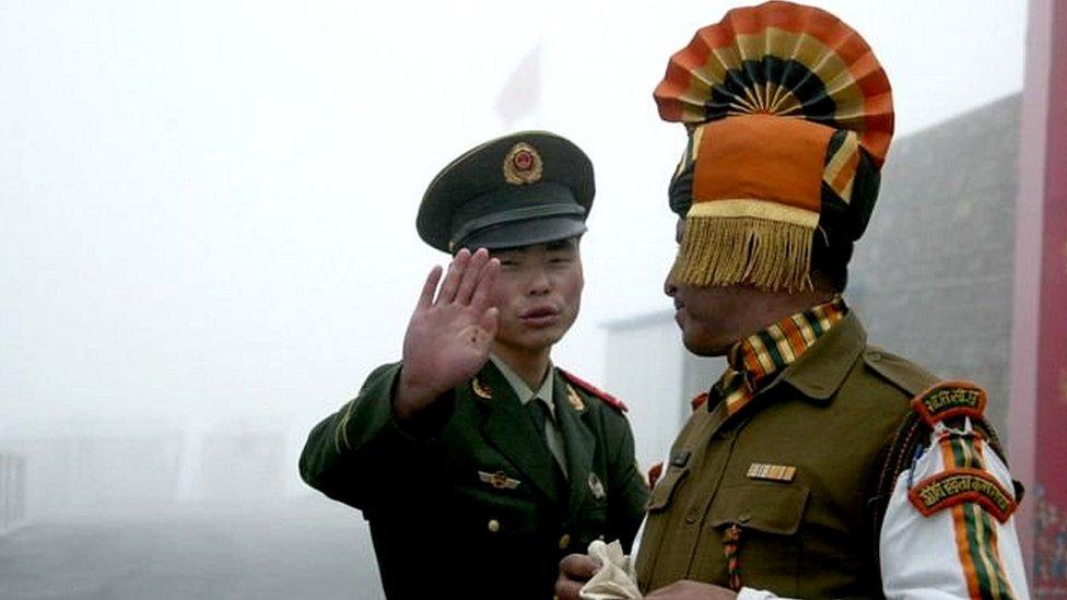 انڈیا اور چین کے درمیان سرحد پر کشیدگی میں اضافہ کیوں ہورہا ہے؟
