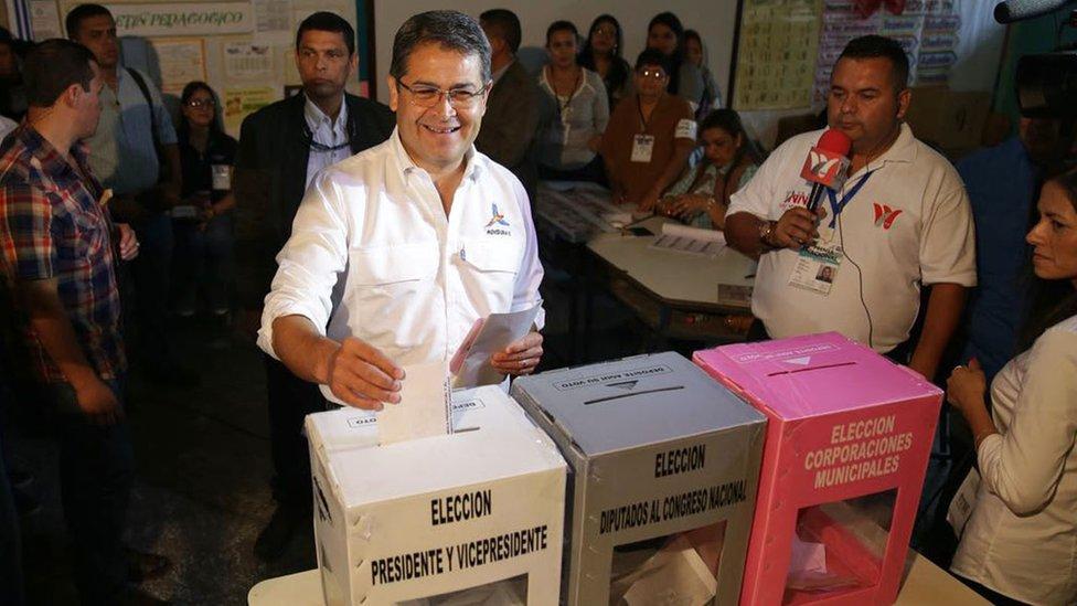 JOH llegó a la casa presidencial por primera vez en 2014 luego de derrotar por 250.000 votos a Xiomara Castro.