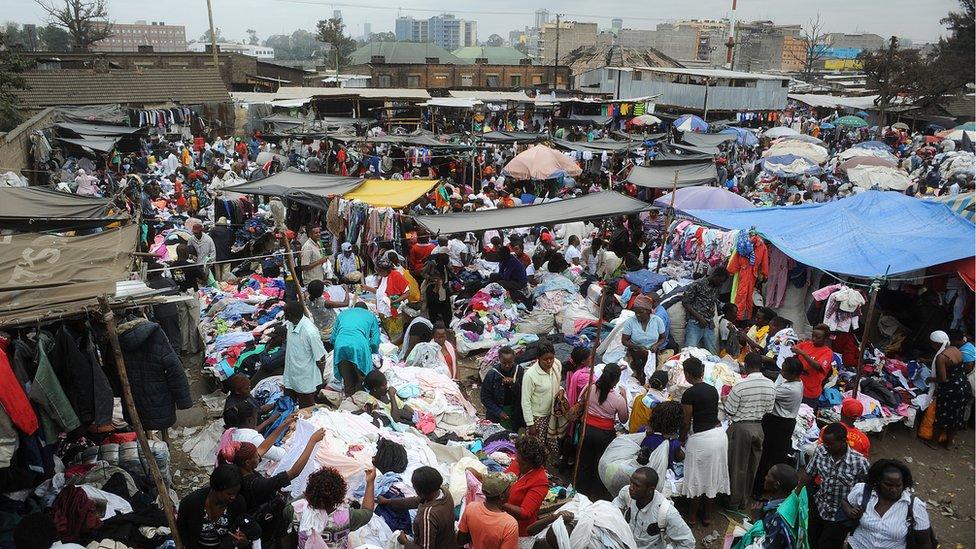 d328bc7866 Por qué está en declive el negocio global de venta de ropa de ...