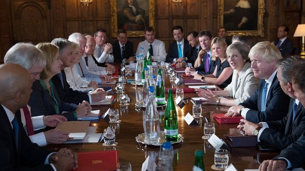 Government to 'push ahead' with Brexit