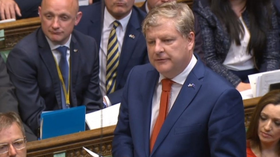 SNP bids to replace Labour as official Commons opposition