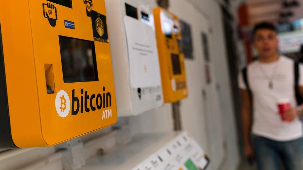 Tres bolsas especializadas en bitocin tuvieron que suspender algunas transacciones.