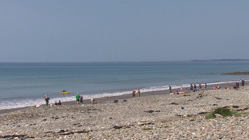 Concern over Gwynedd council parking charges near beach