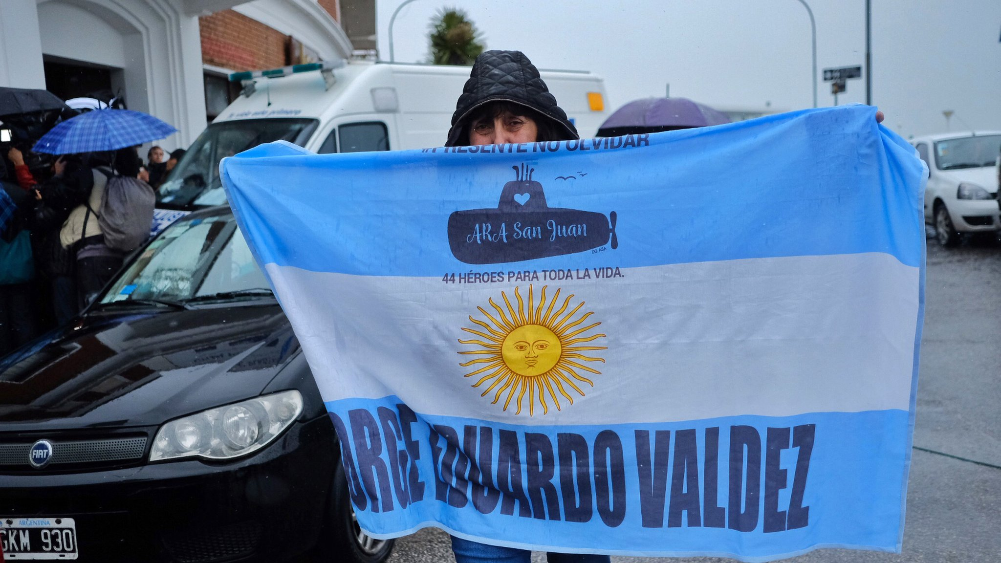 Argentine submarine: Government 'lacks means' to raise lost vessel