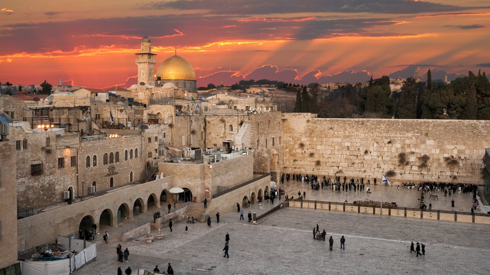 Australia considers following US on Jerusalem embassy