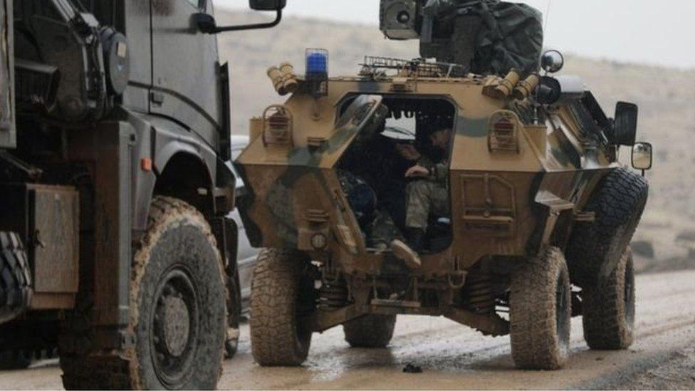 نزوح آلالاف من عفرين شمالي سوريا هربا من الهجوم التركي