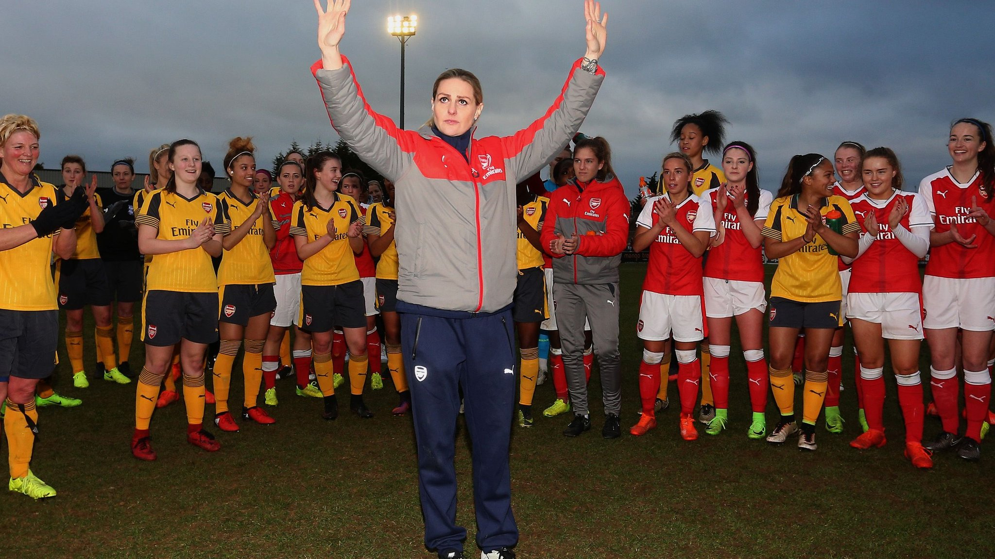 Kelly Smith: Arsenal pay tribute to retiring ex-England forward