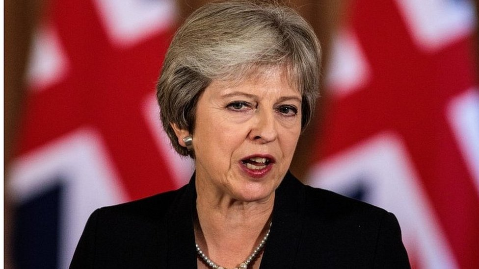 Brexit: May to chair cabinet amid pressure for Chequers rethink
