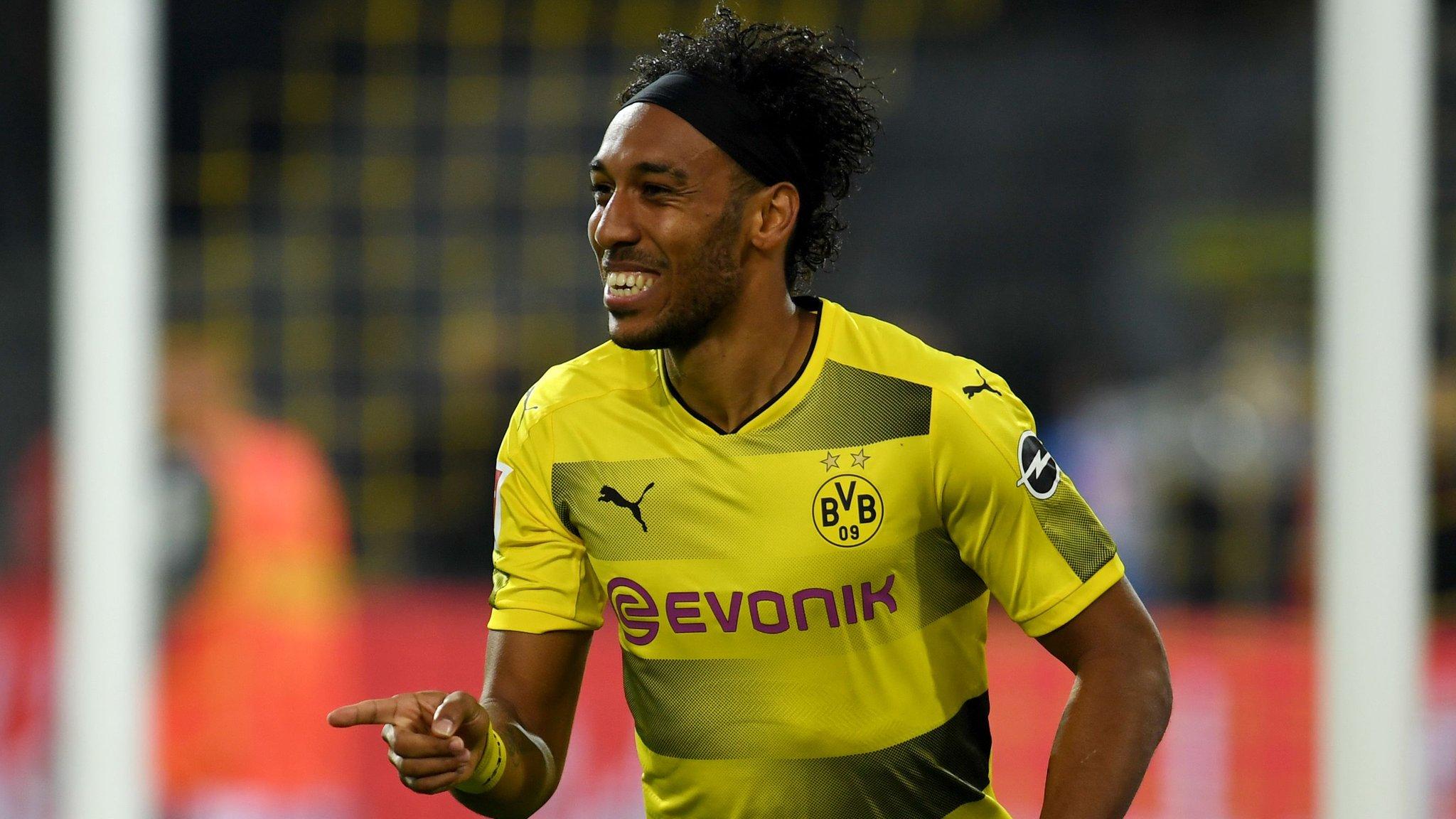 Aubameyang hat-trick sends Dortmund top of Bundesliga