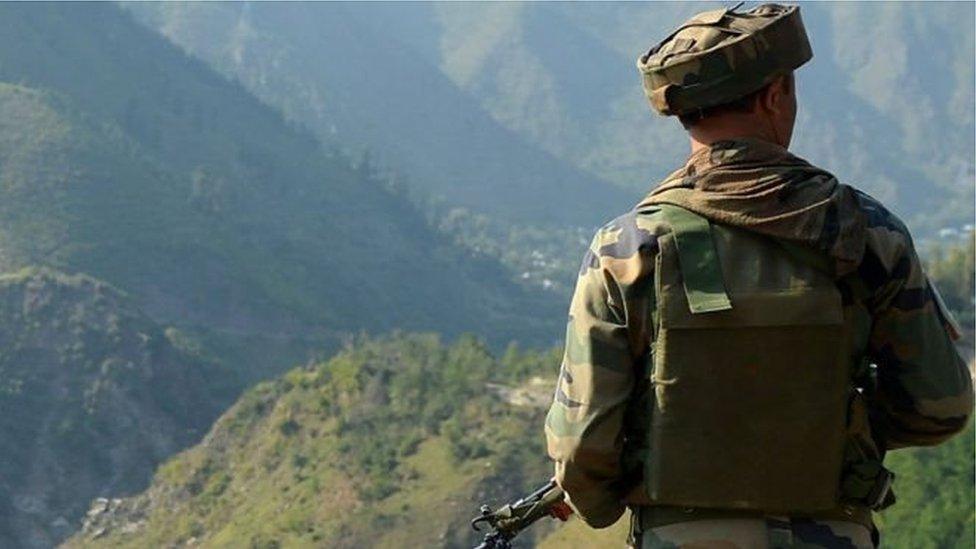 পাকিস্তানী সেনাদের উপর হামলার দাবী করছে ভারত