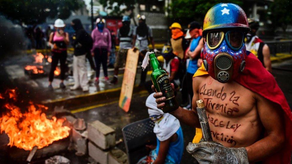 En los más de cuatro meses de protestas antigubernamentales hubo unos 120 muertos.