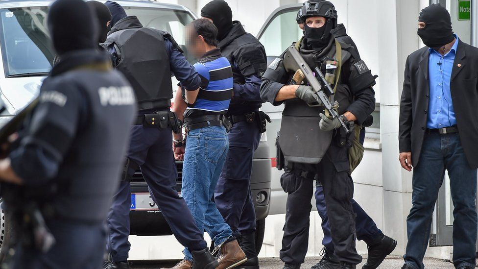 Paris bombings suspects extradited to France from Austria