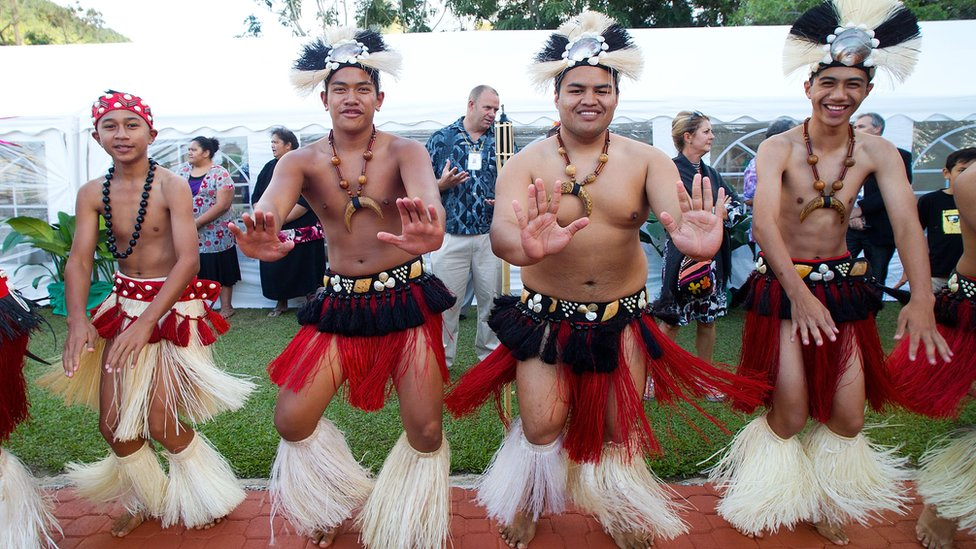 Cook Islands' dancers in traditional dress