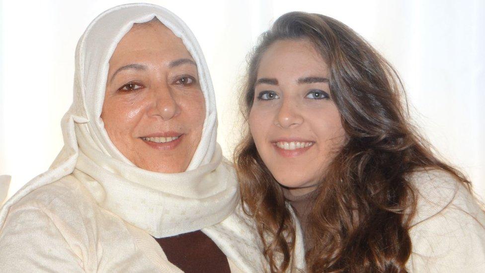 مقتل ناشطة سورية معارضة وابنتها في إسطنبول