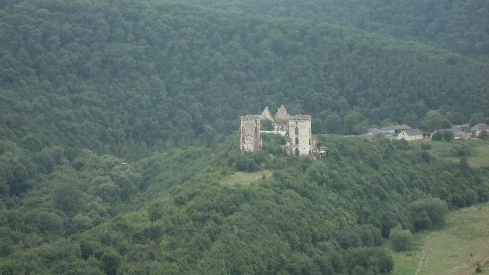 Червоноградський замок: вмираюча твердиня зниклого міста