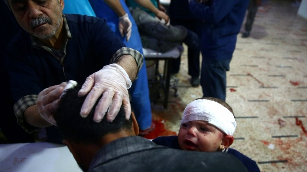 مقاتلة من قوات سوريا الديمقراطية في الرقة