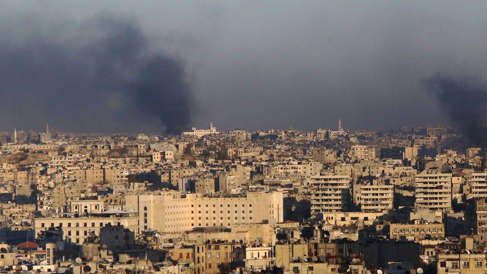 """معركة حلب: القوات الحكومية السورية """"تسيطر على 50 في المئة"""" من مناطق المعارضة"""