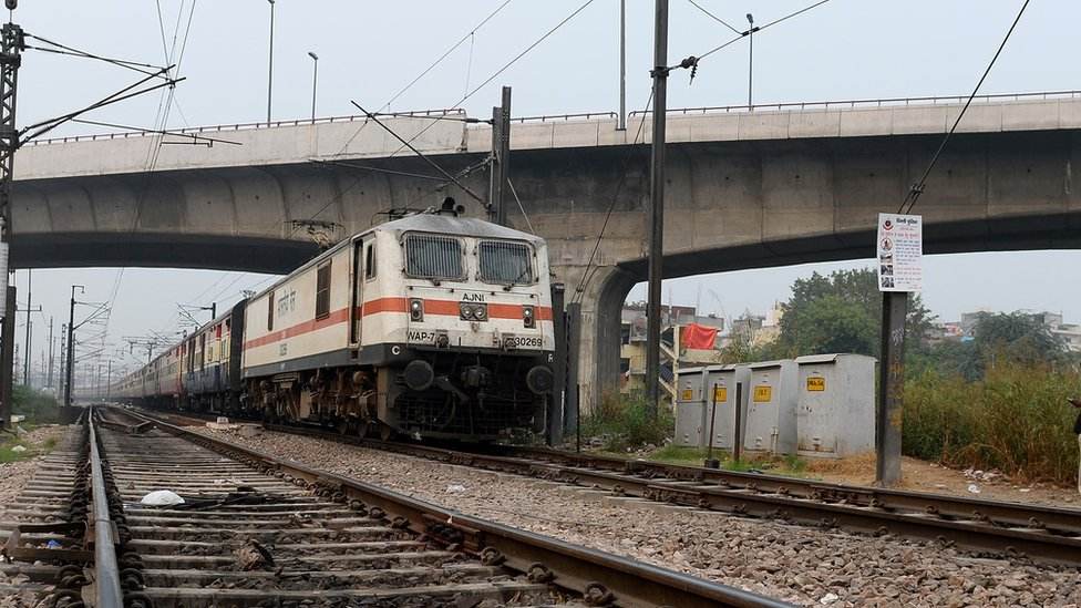 India teenagers die taking selfies with train
