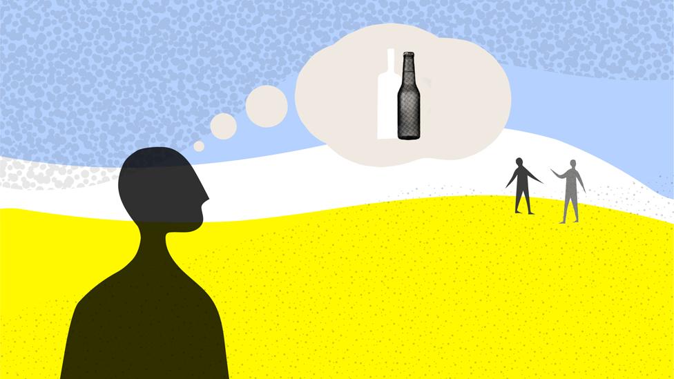 Persona pensando en alcohol