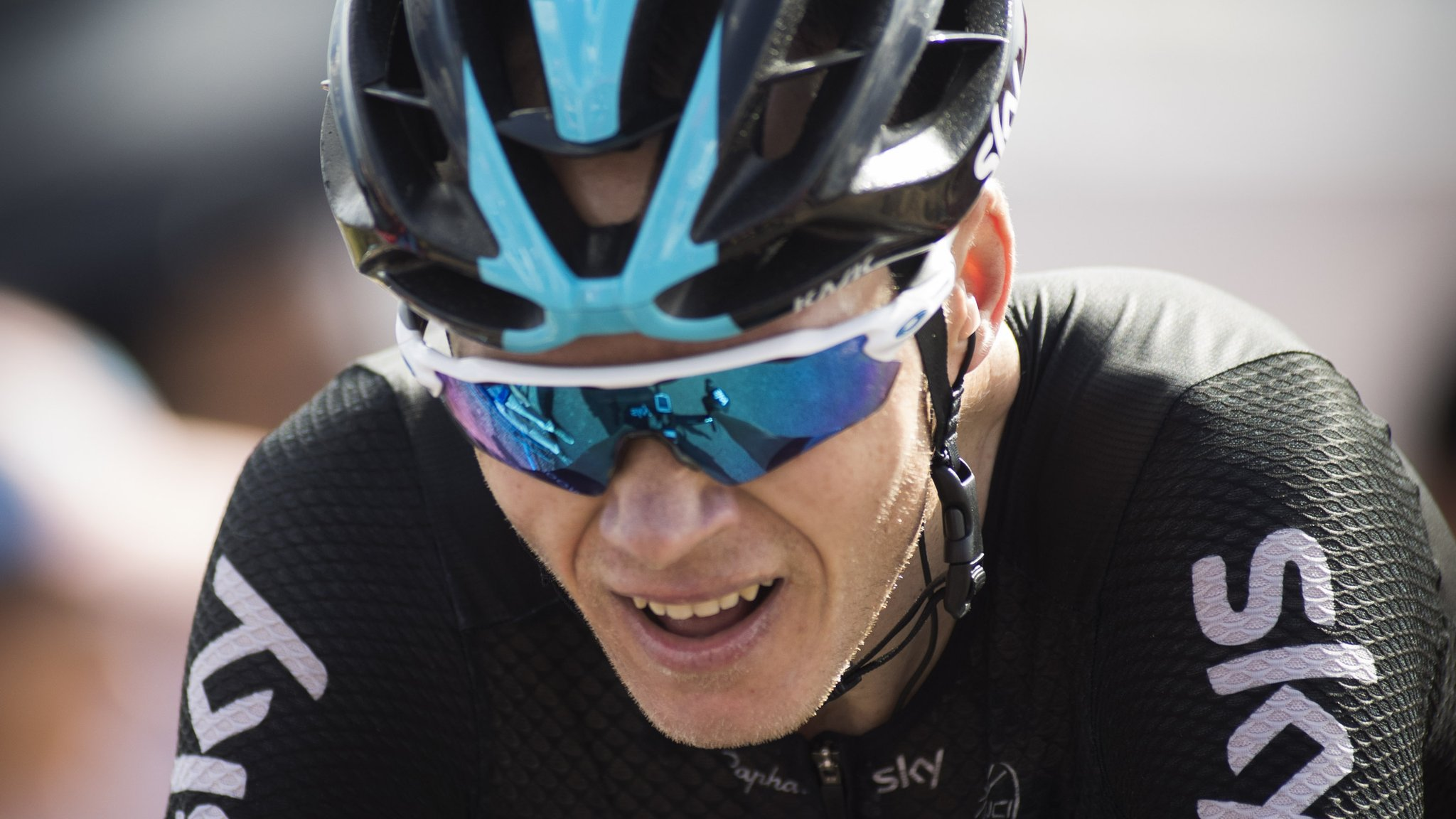 Froome falls to fourth in Vuelta a Espana