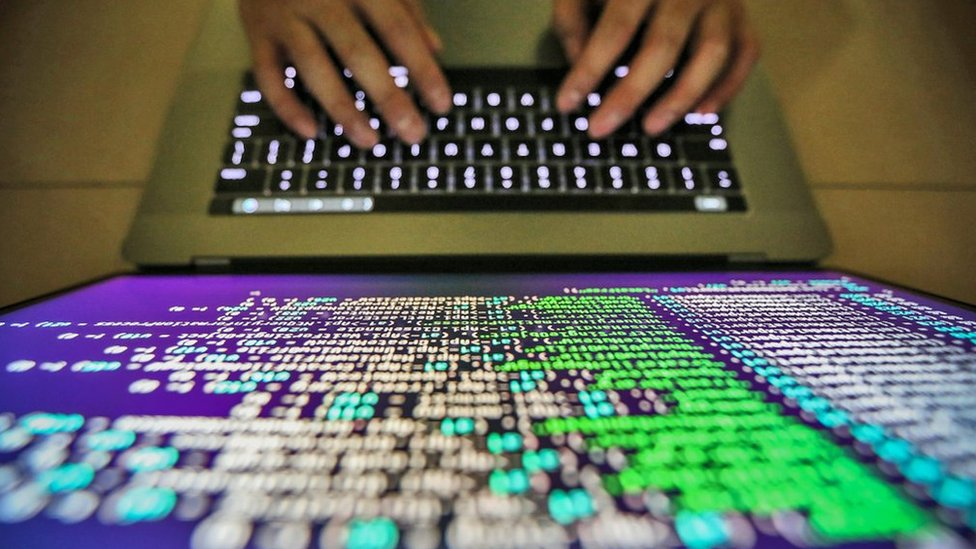 Hackers steal $400,000 of crypto-currency