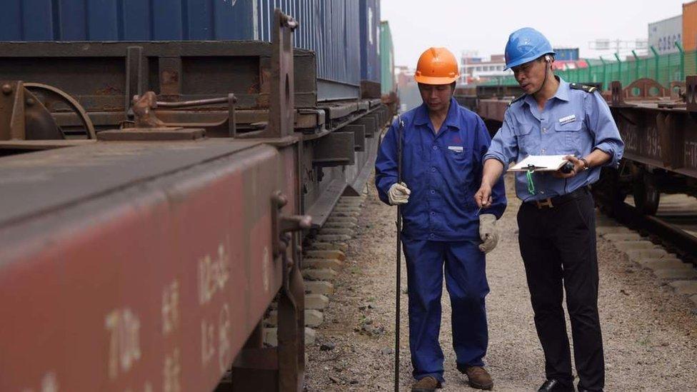 Las cosas han cambiado mucho desde que Wu empezó a trabajar en el ferrocarril.
