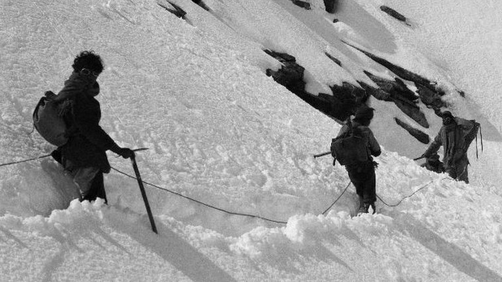 Legendary mountain team's 1921 Everest album