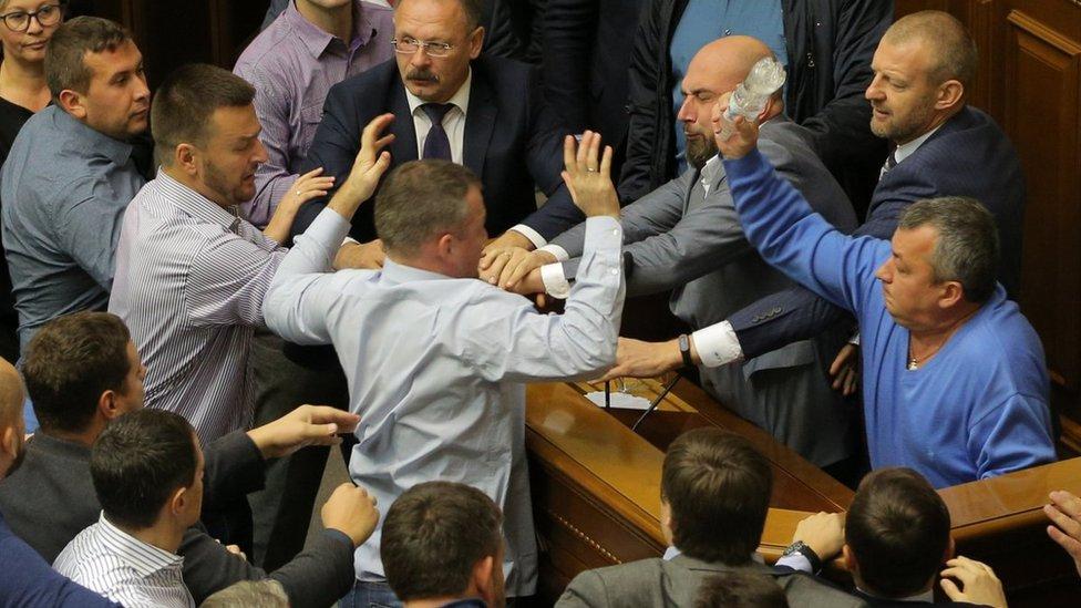 Рада у вівторок хоче схвалити закон про деокупацію Донбасу